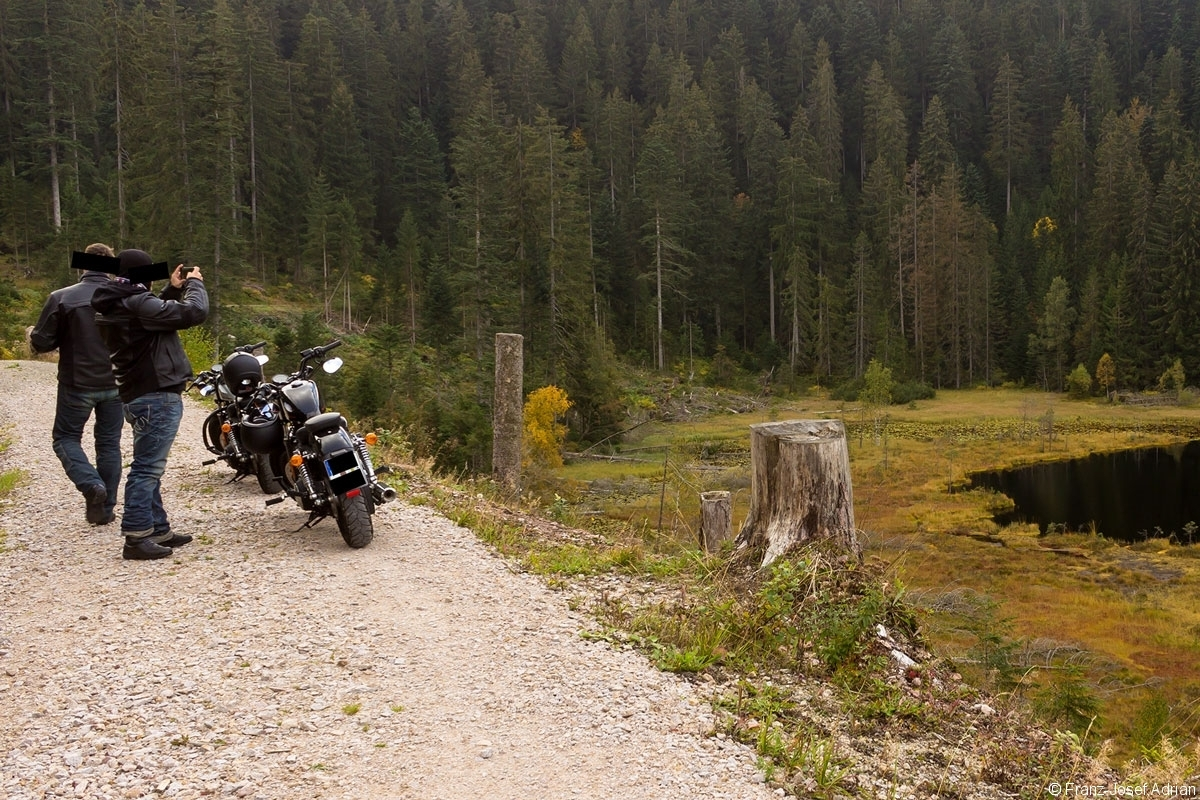 Motorrad_Huzenbacher_See