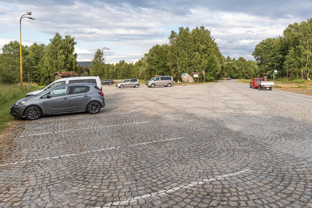 Parkplatz_Slunecna