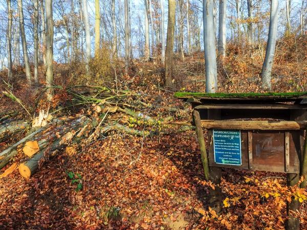 altes Schild zum Naturschutzgebiet