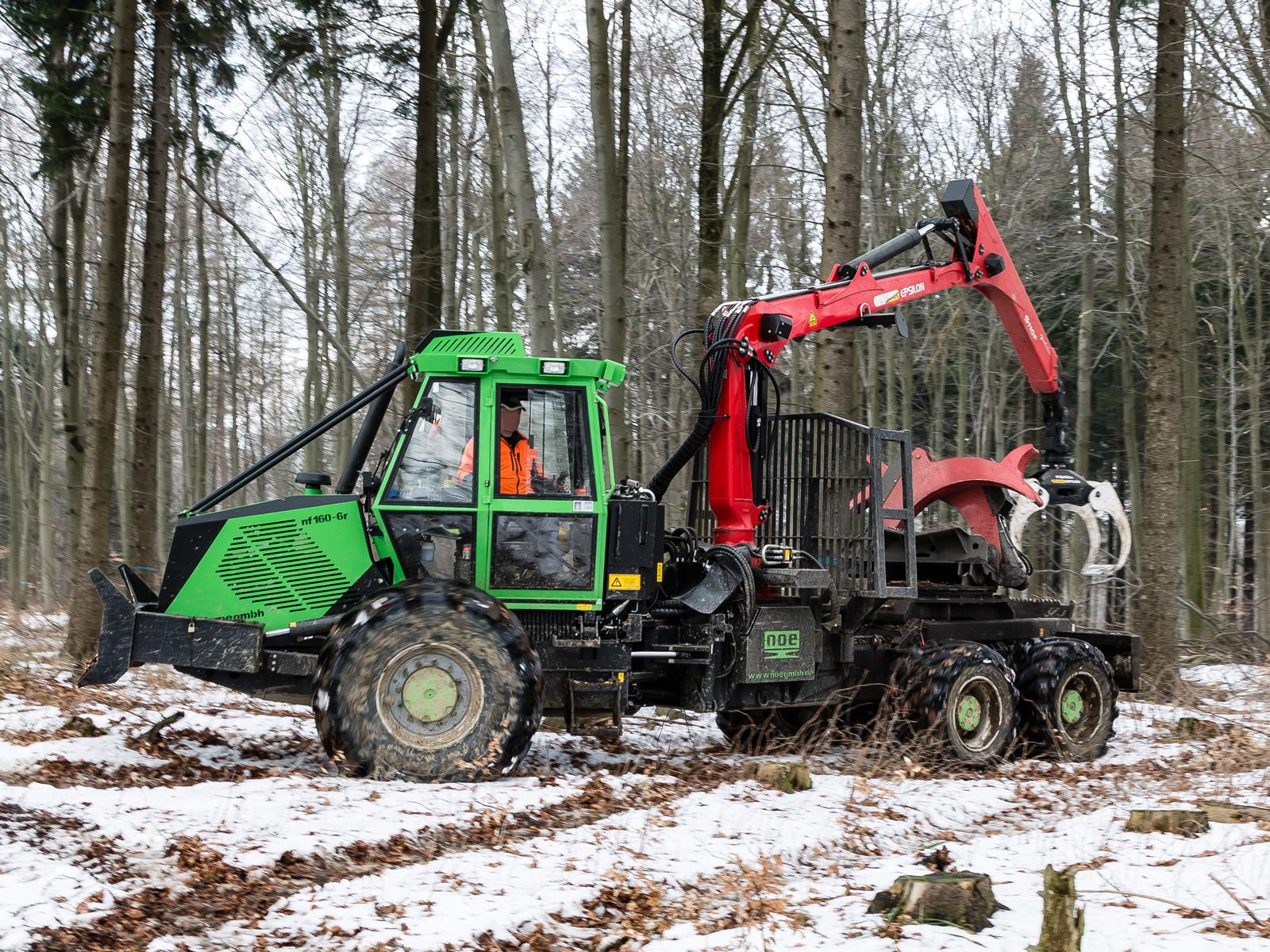Forstspezialschlepper Noe NF160-6r auf dem Hohensteinkamm